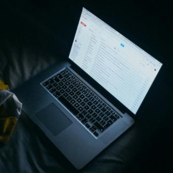 Laptop zeigt e-mail Konto