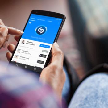 Smartphone zeigt Shazam App