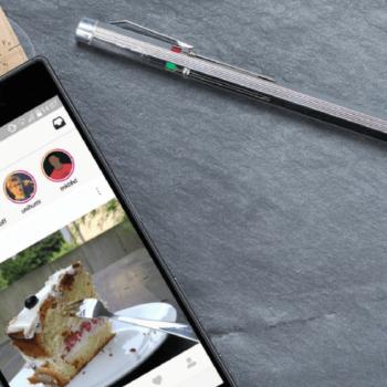 Smartphone zeigt Instagram Stories