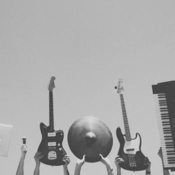 Musikinstrumente (Gitarre, E-Gitarre, Keyboard)